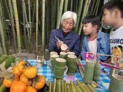 重渡沟七旬老人成网红 数十年制作竹艺品战病魔